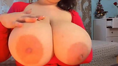 Mom with Gigantic Boobs on Live Chat