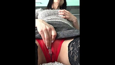 milf wife masturbating