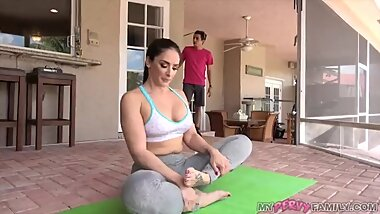 Stepson inserts dick in mother's pussy while doing yoga