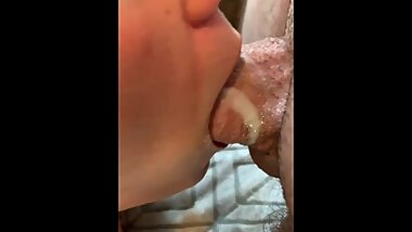 Daddy noticed I was cumming so much on his cock,so he stopped mid-fuck and ordered me to clean his