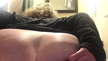 Bbw mature with huge ass spreads asshole