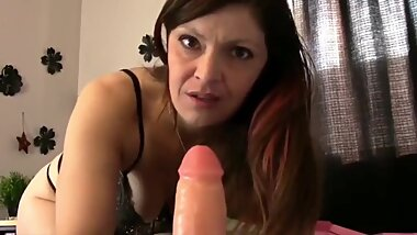 Mature MILF Enjoys HUGE DILDO