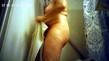 Mature Wife With Saggy Tits and Big Bush Out of Shower