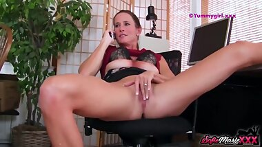 SofieMarieXXX - Boss Sofie Marie Jerks Off While On The Phone